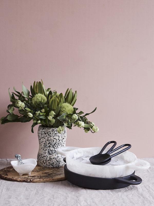 Medium Curvaceous Vase - Slate by KEEPRESIN